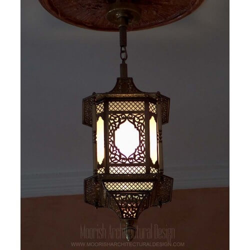Traditional Moroccan Pendant 40
